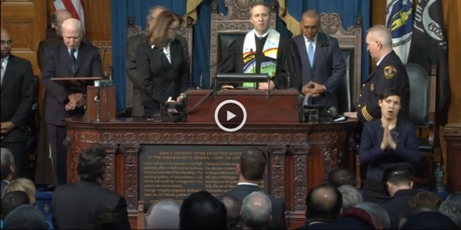 Reverend Brent Damrow delivers the closing prayer and benediction at the 2014 State of the Commonwealth Address