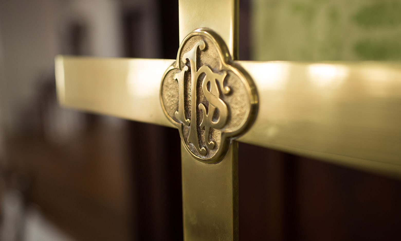 Image of a gilded cross